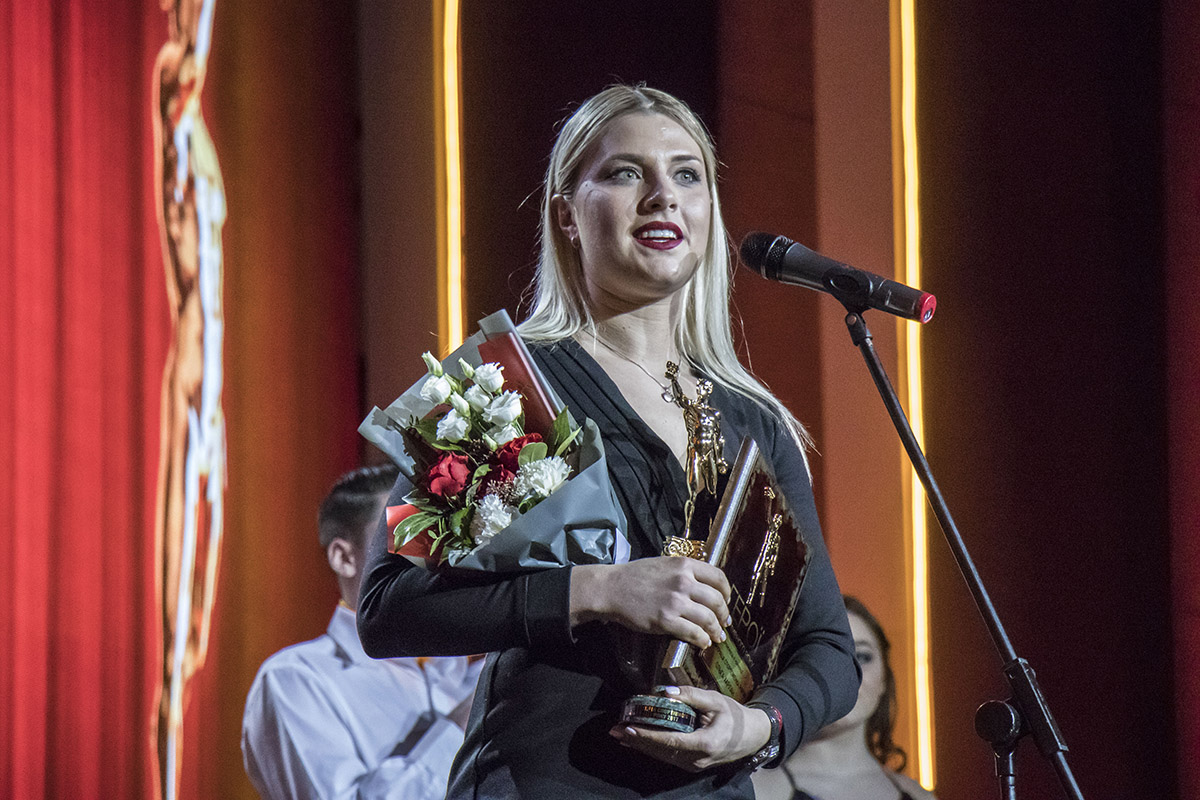 Ольга Харлан — украинская фехтовальщица на саблях, олимпийская чемпионка 2008 года