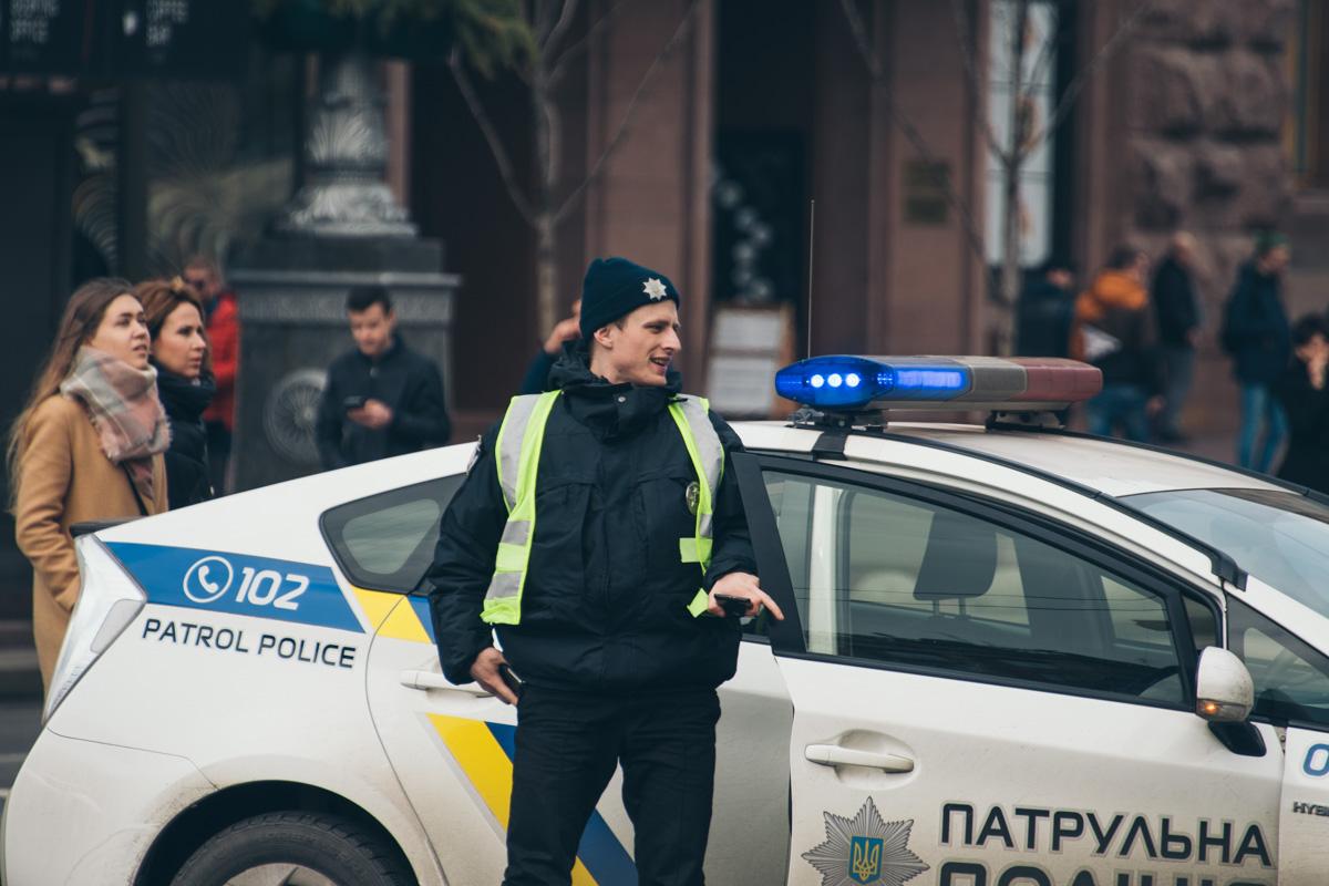 Патрульные следят за порядком на Крещатике