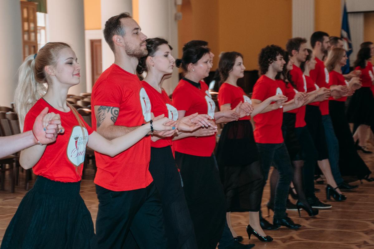 Уроки танцев проходят в студии Андрея Дикого и Лилии Ребрик