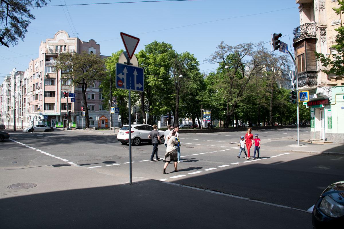 На улице Волошской установлены новые знаки ограничивающие движение