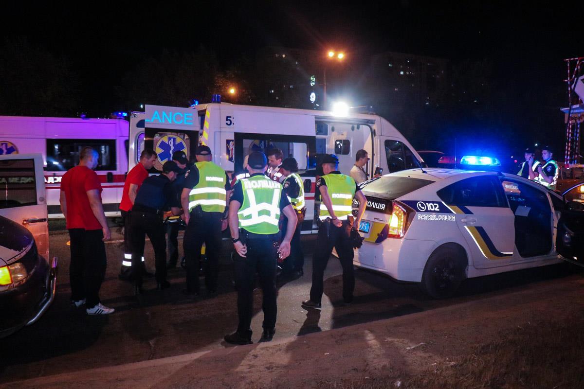 Полицейского госпитализировали медики