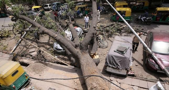 В результате шторма в Индии погибли 46 человек