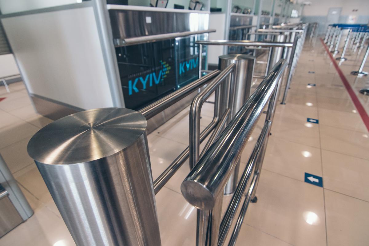 В обновленном терминале увеличили количество кабинок паспортного контроля и лент по выдаче багажа