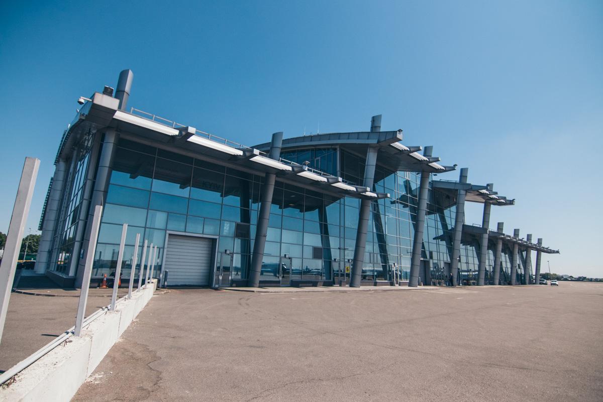 1 мая 2018 года начали расширять терминала А, который отвечает за регистрацию и вылет пассажиров за границу