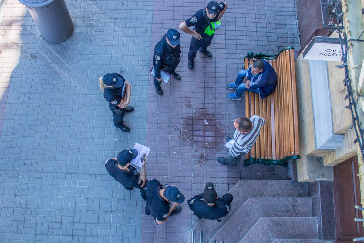 23 мая около 10:30 в Киеве возле Арена-сити задержали нетрезвого мужчину