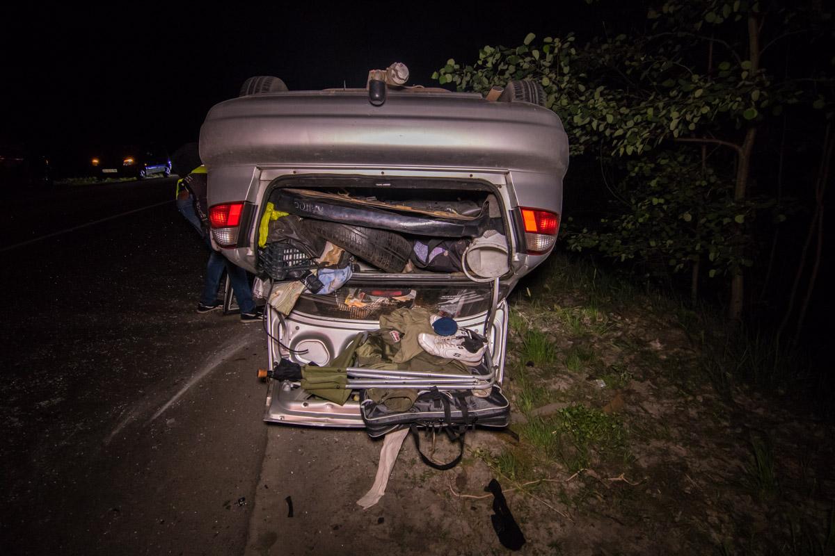 По словам очевидца, за рулем серебристого авто ехал пьяный сотрудник полиции