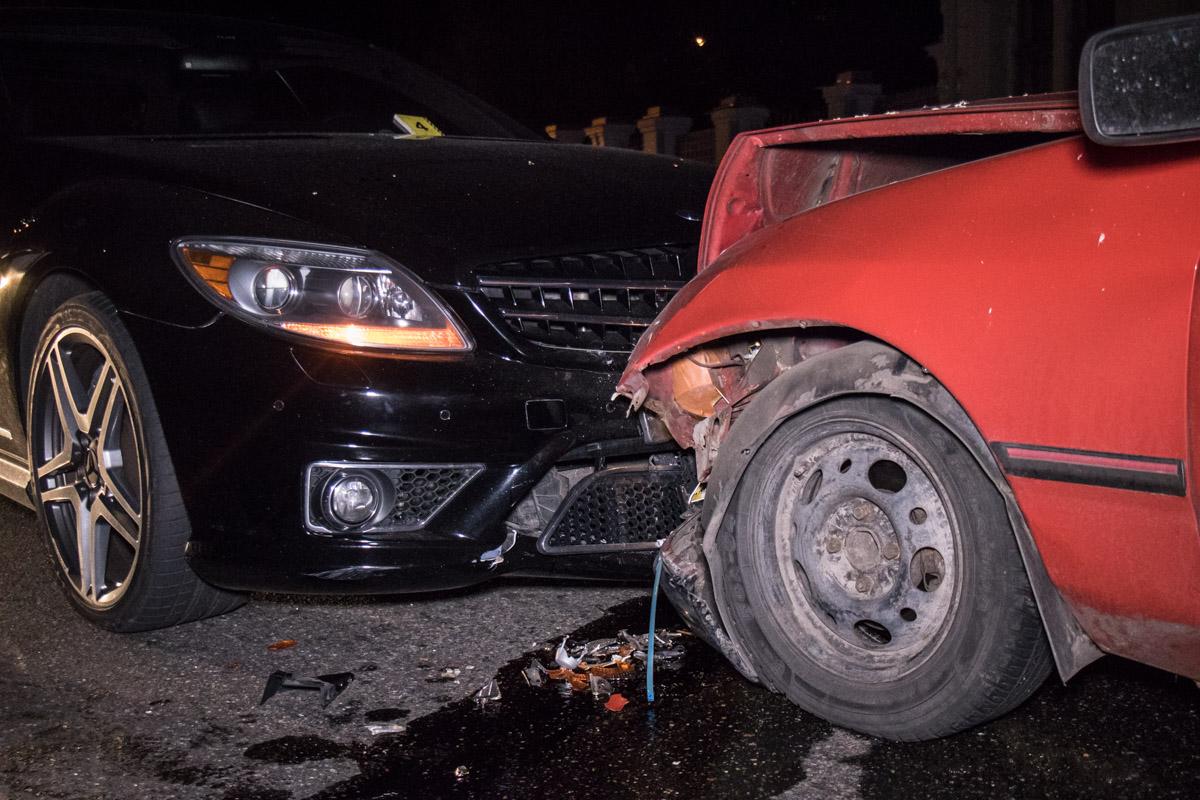 Водителя Ford госпитализировали в больницу