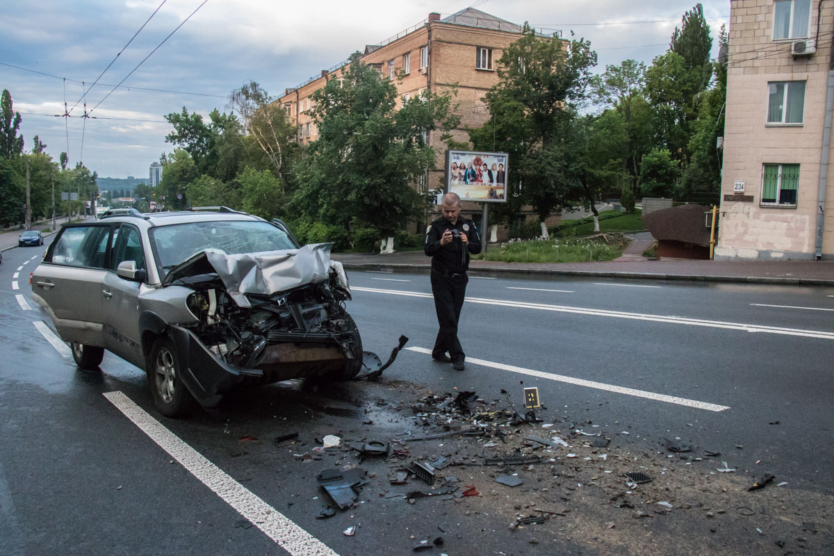 "На Бойчука Hyundai врезался в ""Камаз"""