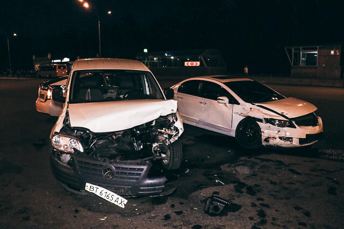 ДТП произошло на перекрестке улиц Старобориспольской и Николая Хвылевого
