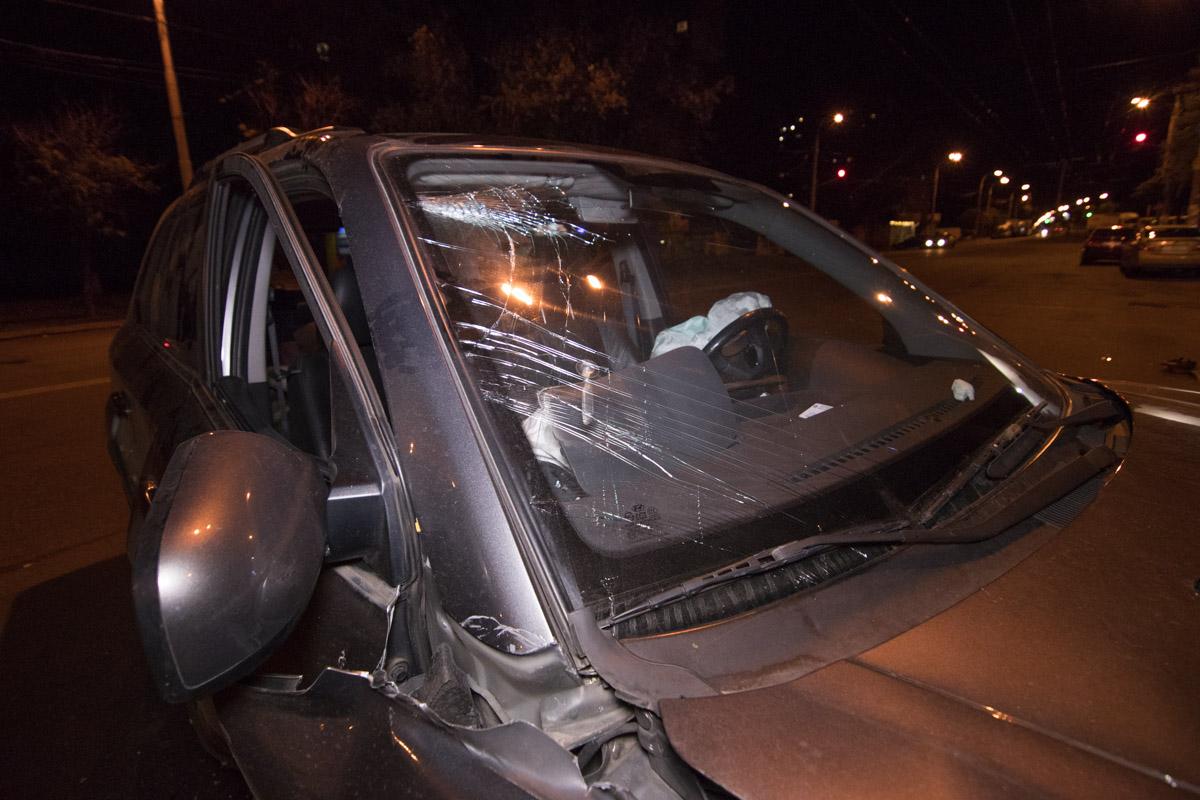Очевидцы перевернули автомобиль обратно на колеса и помогли выбраться водителю