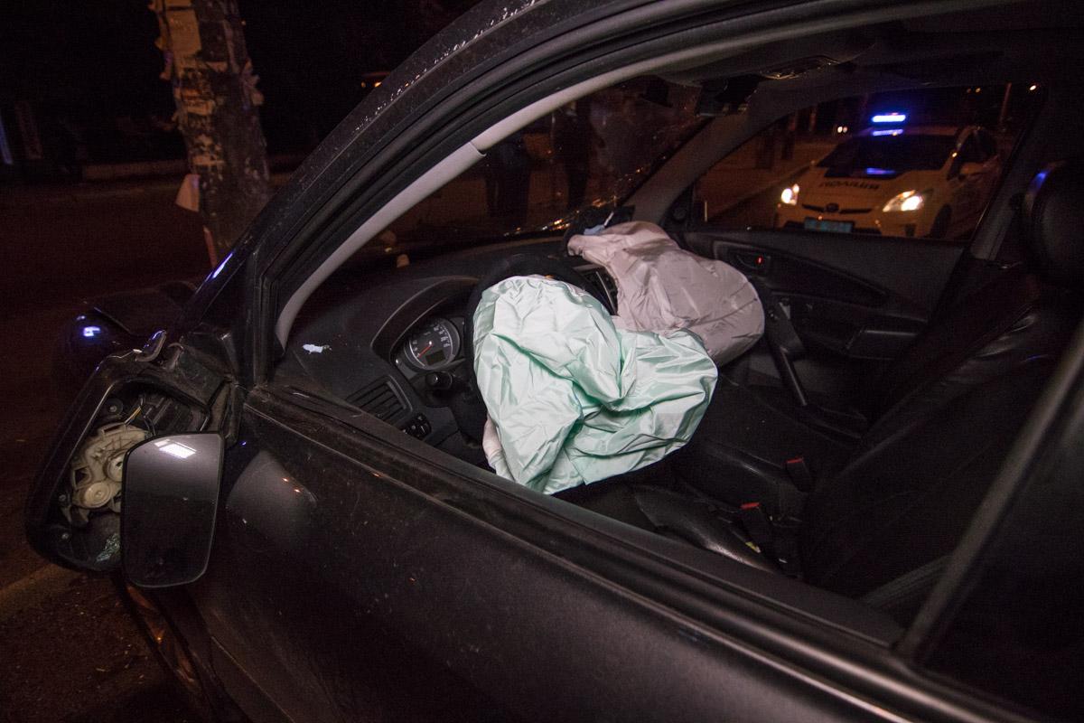 В результате ДТП сработали все подушки безопасности