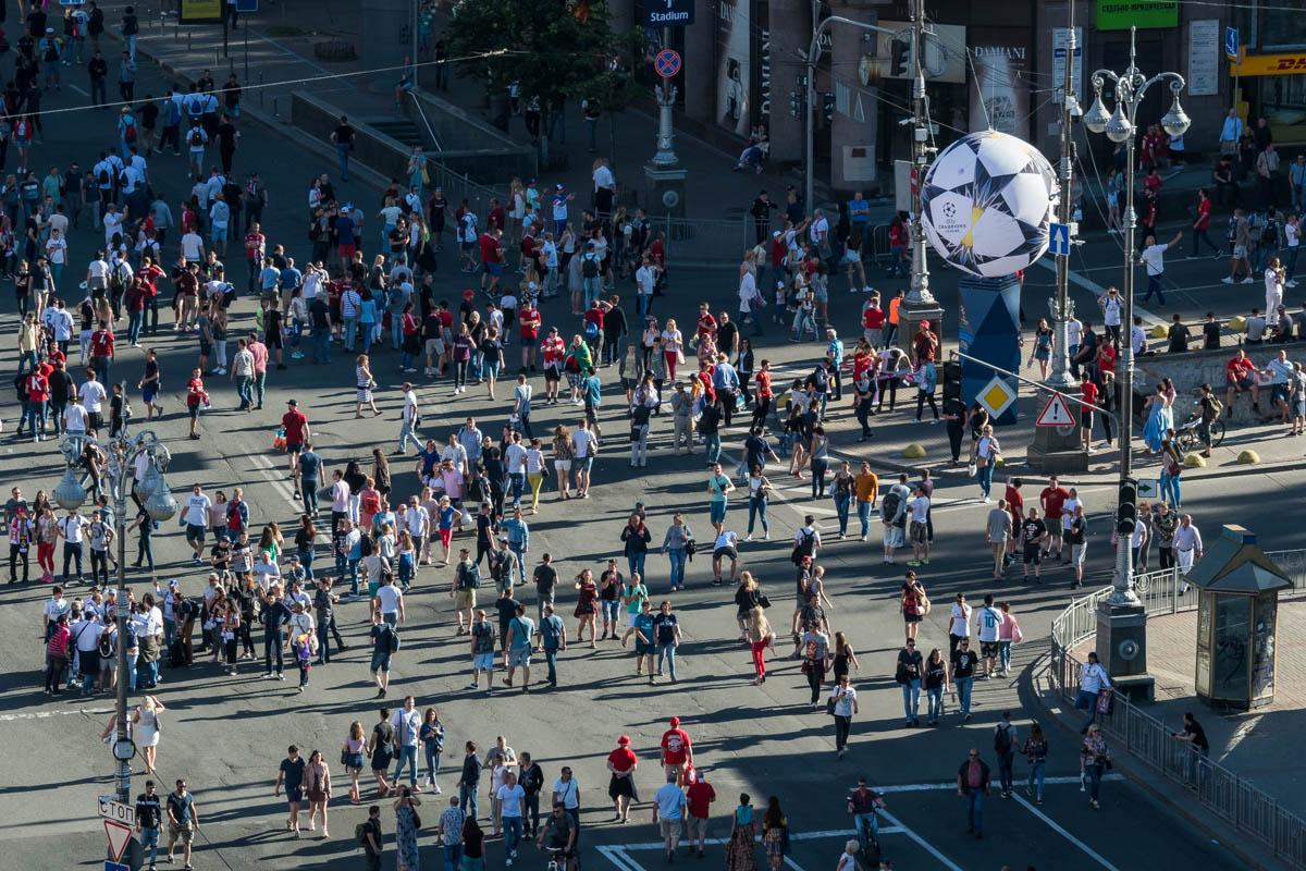 Жители и гости Киева наслаждаются грандиозным спортивным праздником