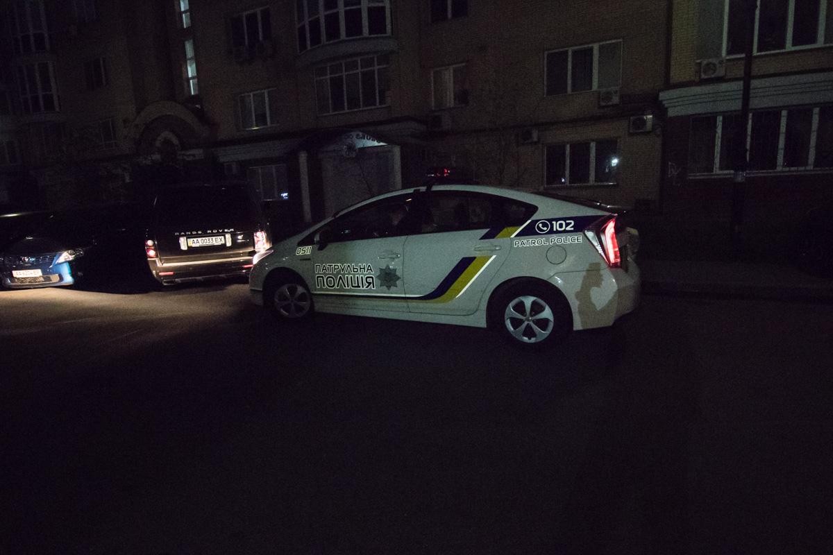 На месте также присутствовала полиция
