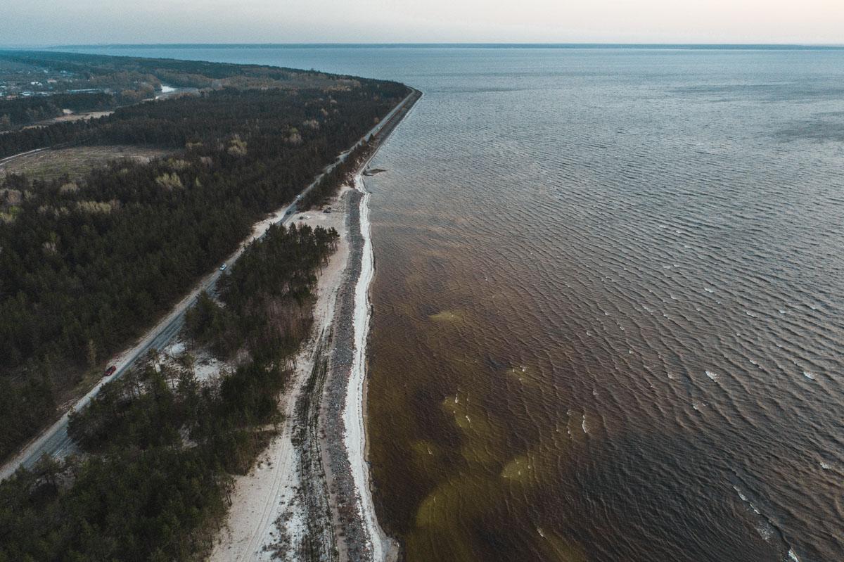 Наибольшая ширина Киевского водохранилища составляет 12км