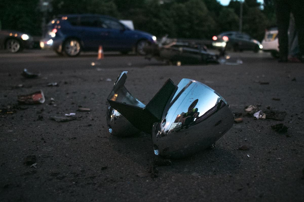 Виновник аварии - Citroen скрылся с места ДТП