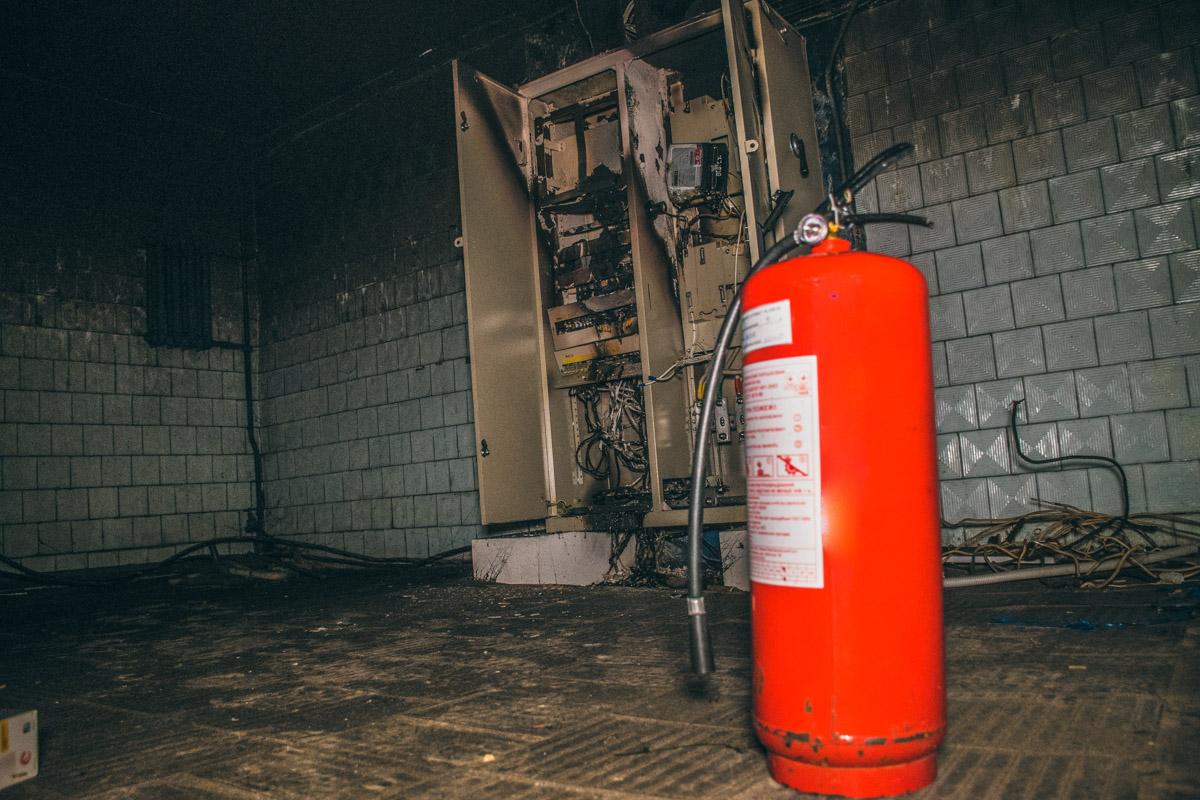 Электрощитовой шкаф в подвале жилого дома