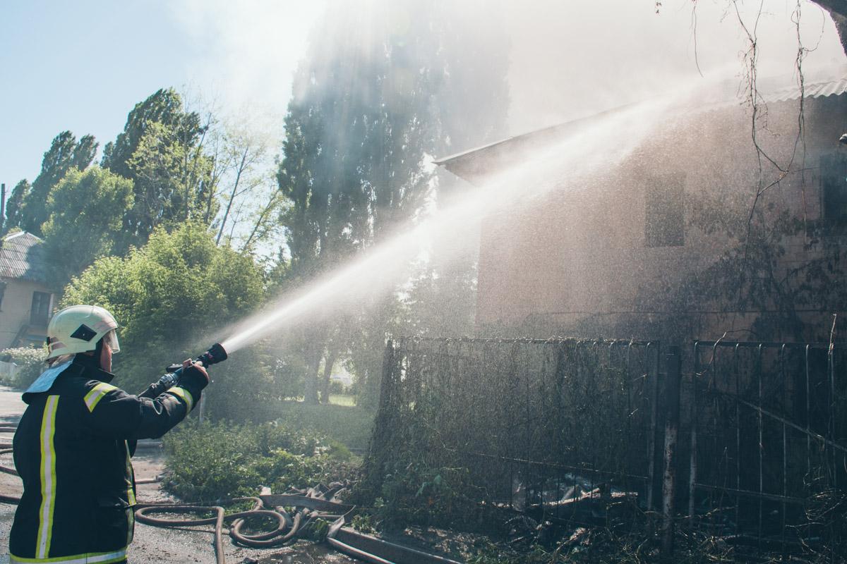 По состоянию на 16:20 пожар ликвидировали