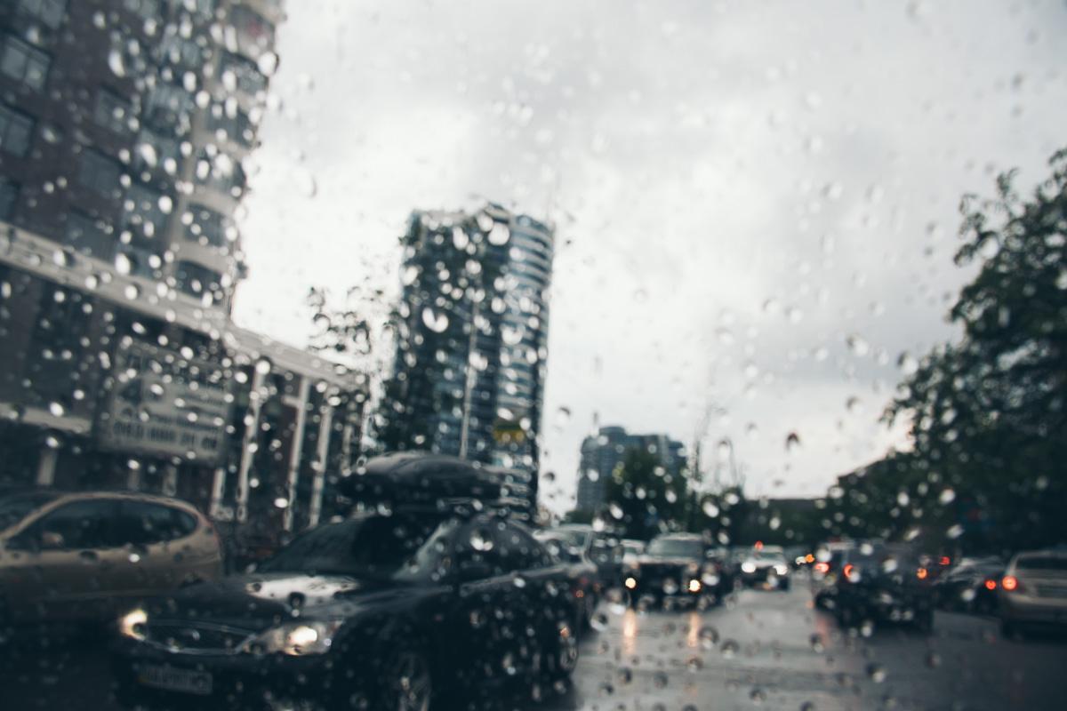 Есть в дожде какая-то гипнотическая сила