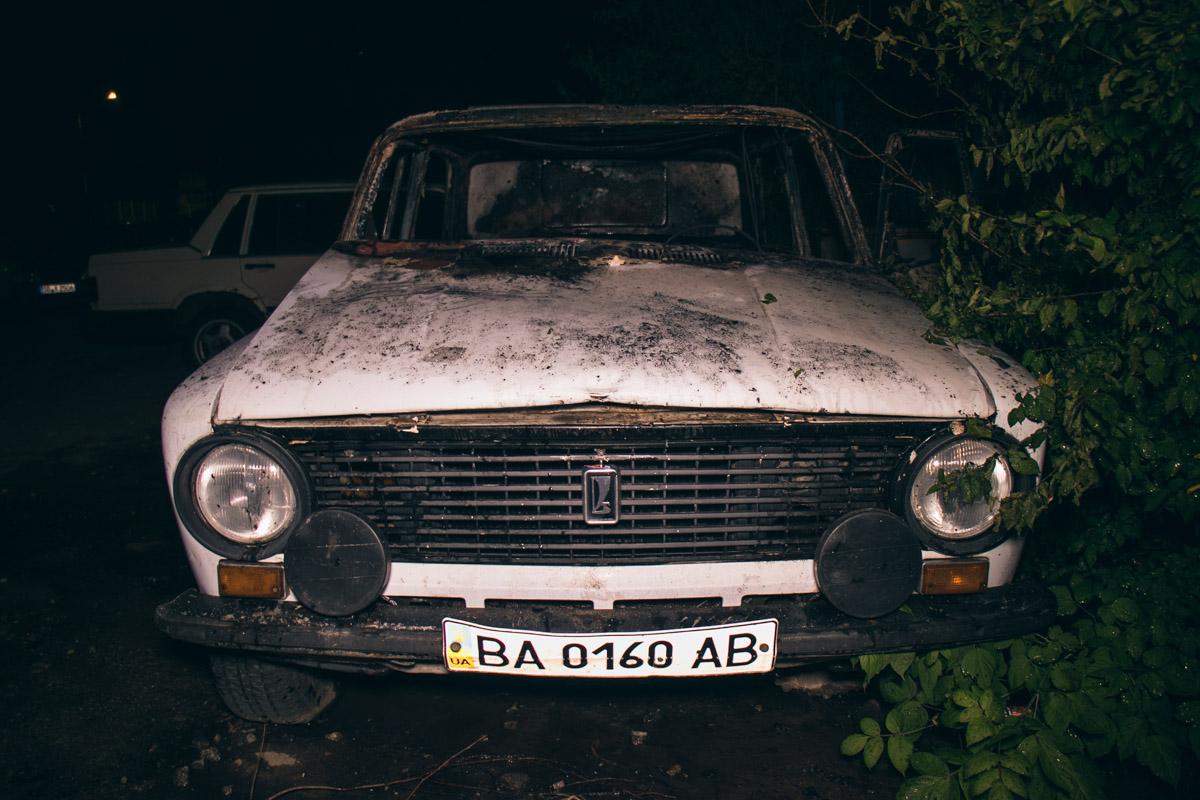 Автомобиль давно стоит во дворе и на нем не ездят