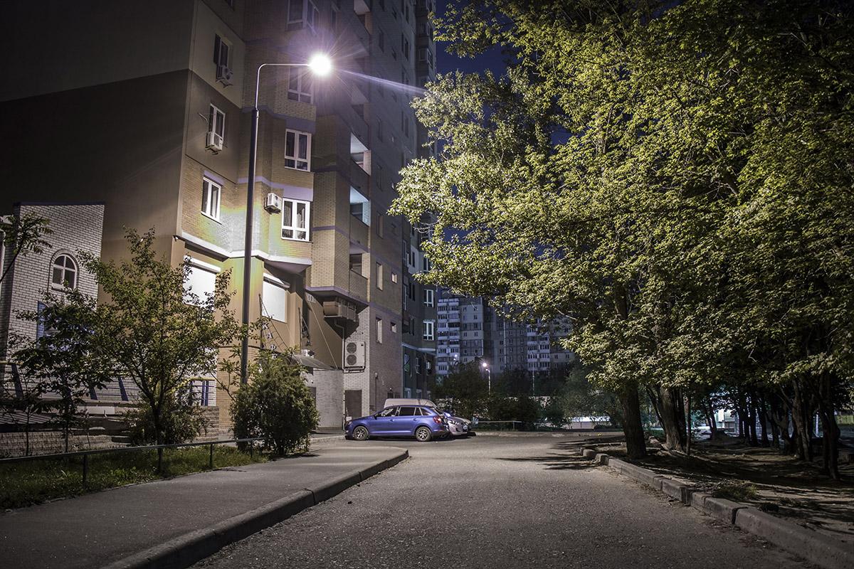 Тишина ночных дворов завораживает