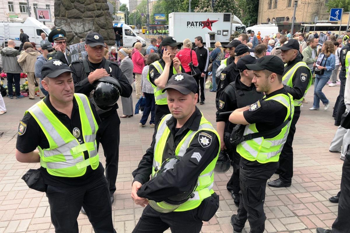 Полиции приблизительно столько же, сколько и собравшихся пройтись в Бессмертном полку