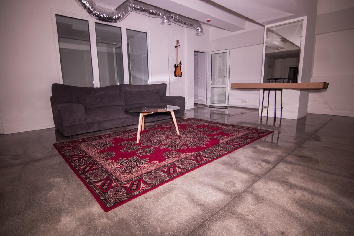 Мебель значительно промокла