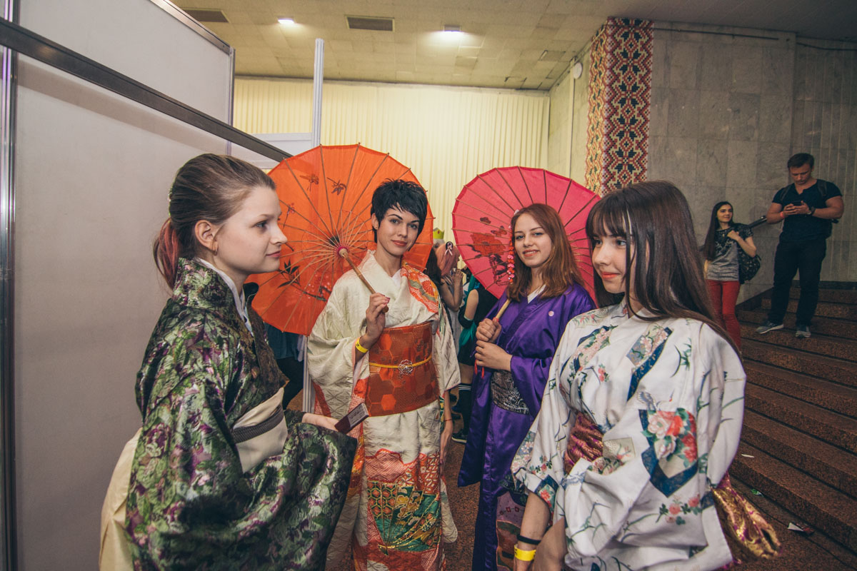 На фестивале проводили конкурс кимоно