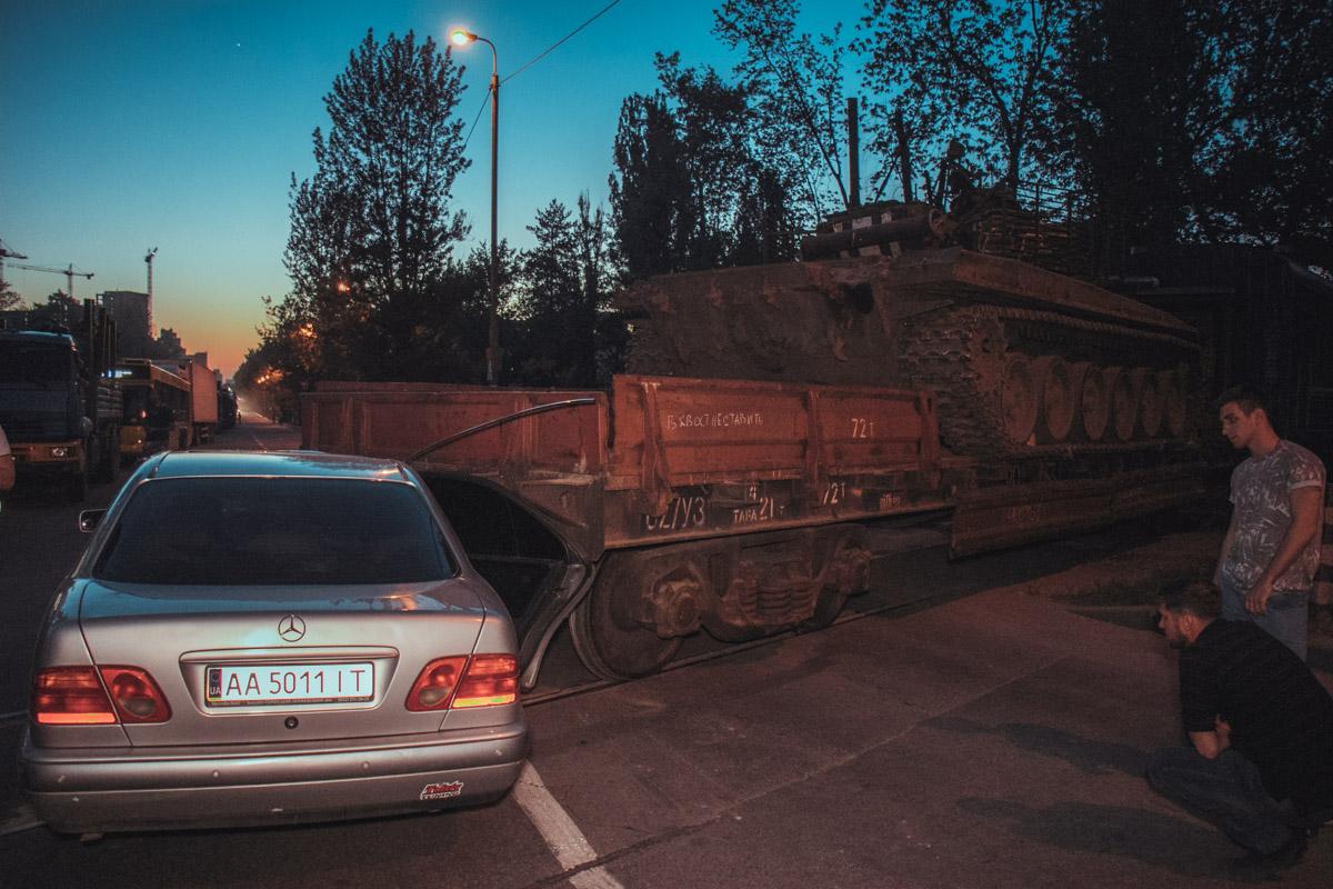 Mercedes двигался в сторону Дарницкого вокзала