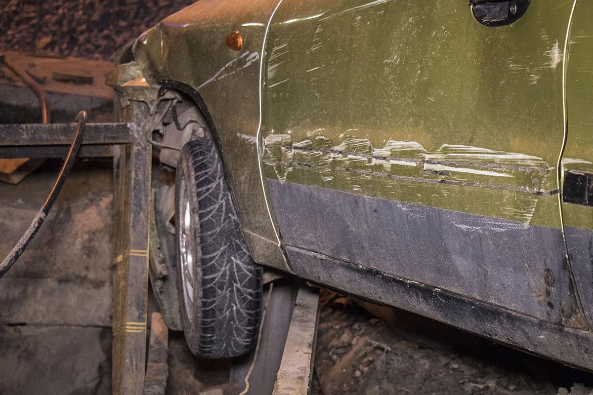 От падения в яму его спасла металлическая конструкция