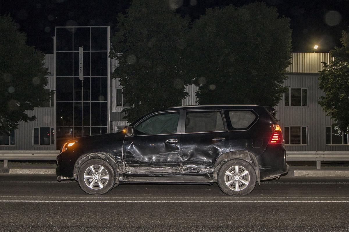 Водитель Lexus двигался в сторону Киева в средней полосе