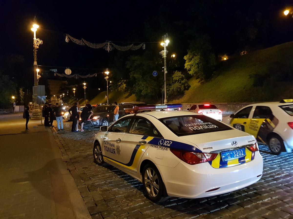 На месте работали полицейские