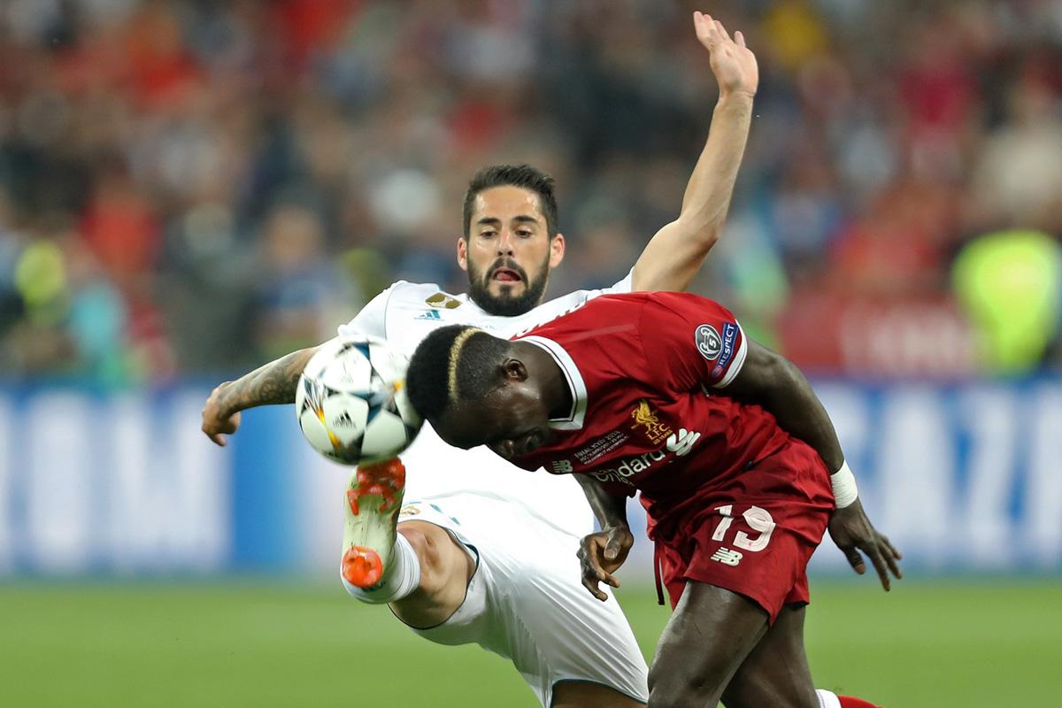 Игрок «красных» Садио Мане уравнял счет в матче 1:1.