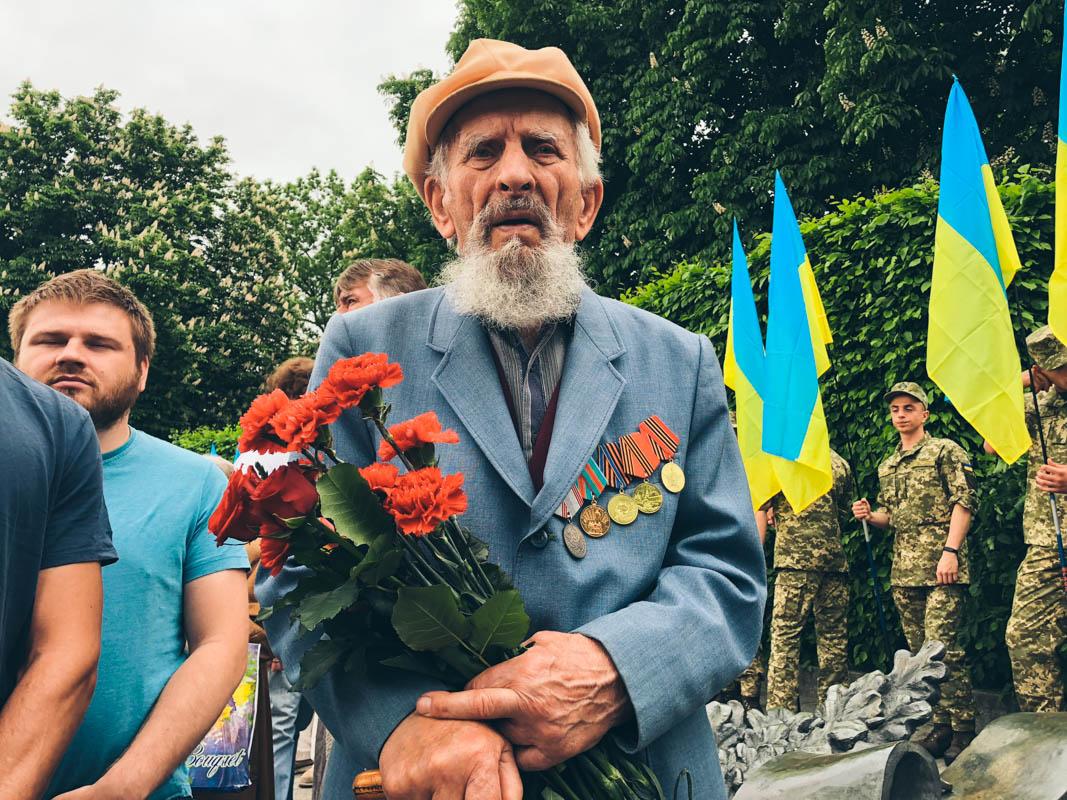 Ветераны возглавили шествие
