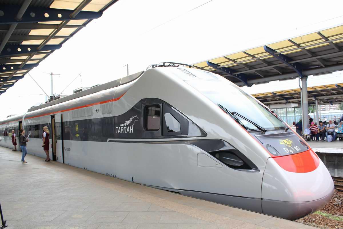 «Укрзалізниця» запустит летом дополнительные поезда в Одессу