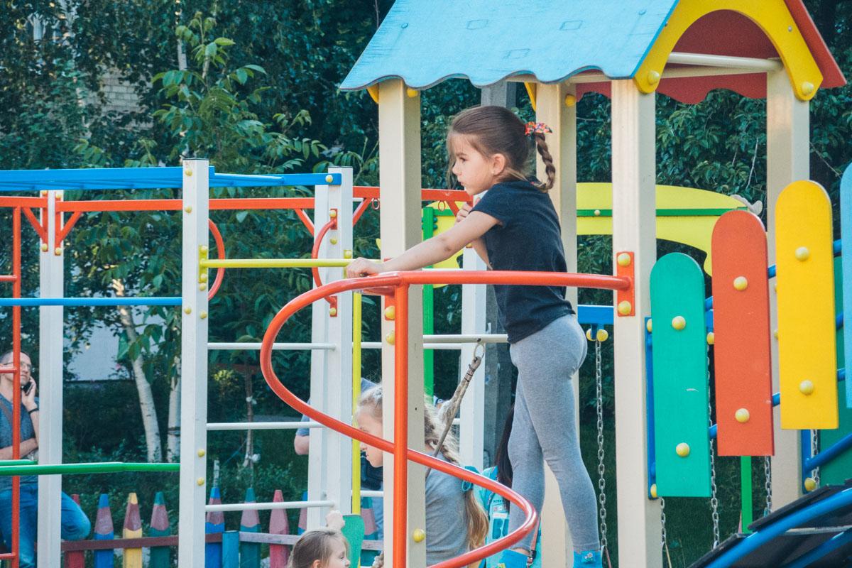 Детская площадка в хорошем состоянии