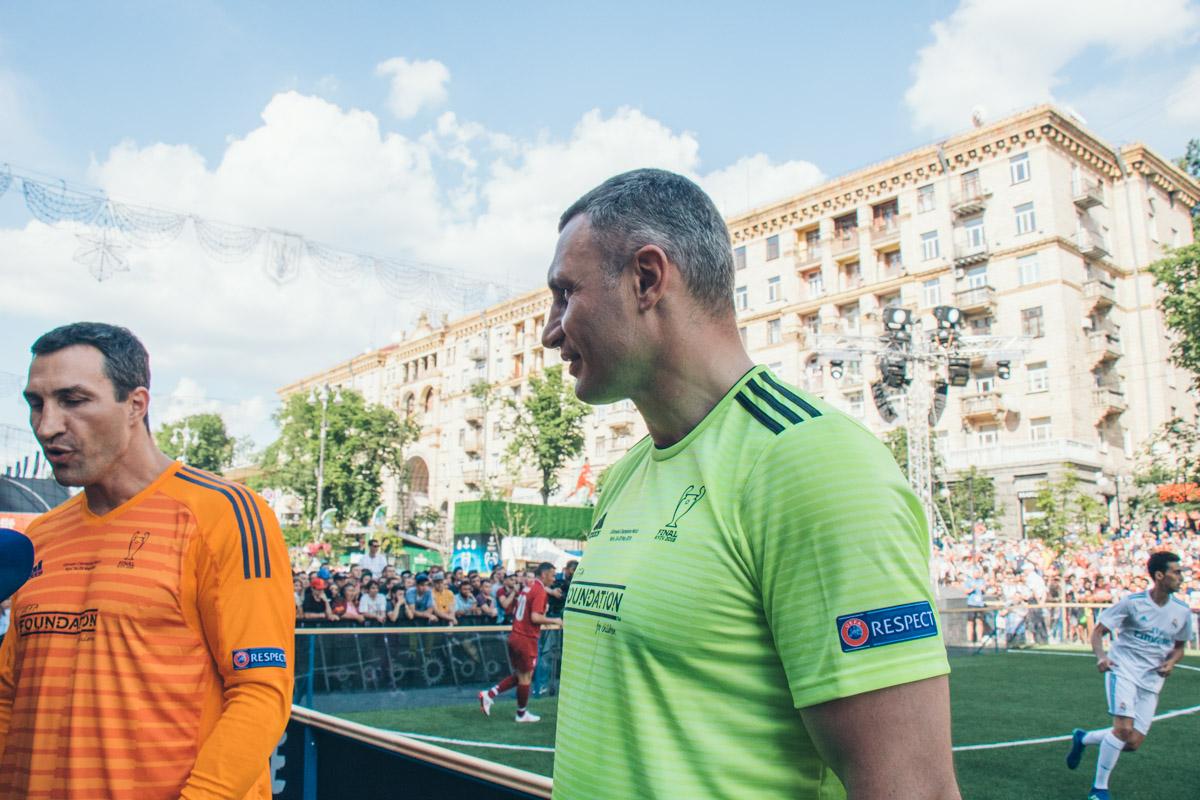 Владимир и Виталий Кличко были тренирами команды Андрея Шевченко