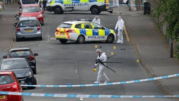 В Шотландии вооруженный ножом мужчина напал на полицейских