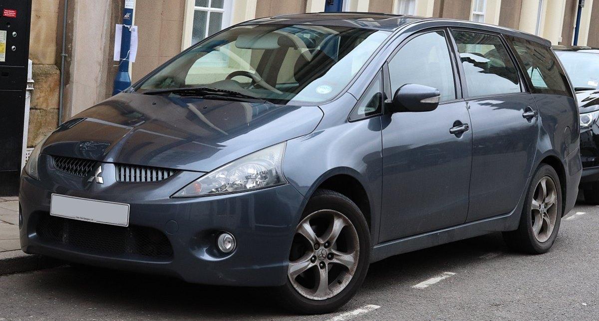 По предварительным данным, авто, в котором увезли мужчину — Mitsubishi Grandis темно-синего цвета