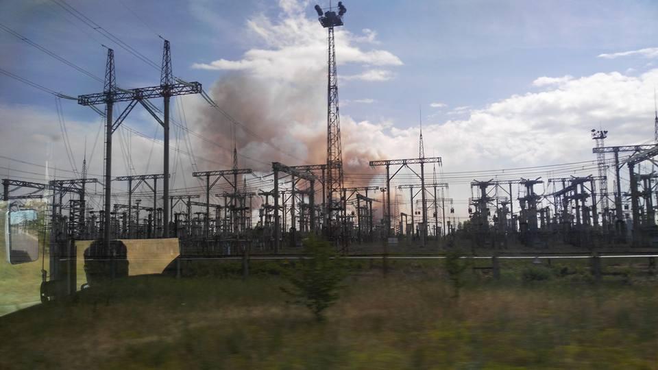 На территории 10-километровой зоны пожар начался в 10:00