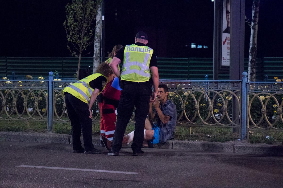 Мужчине, которого сбил Opel, вызвали скорую помощь