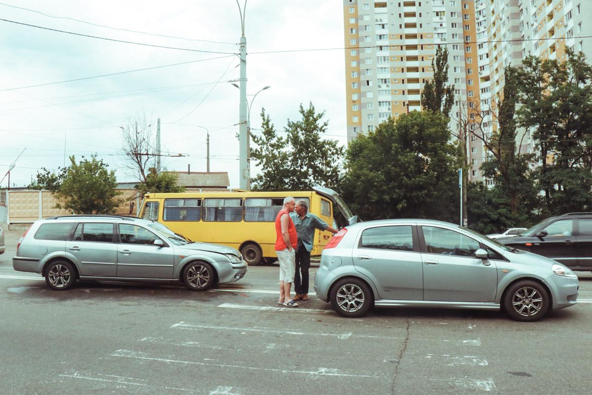 На проспекте Науки столкнулись Fiat и Ford