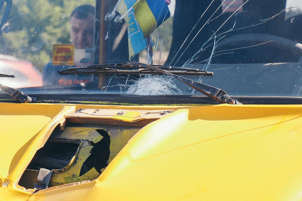 Пассажиры маршрутки и сам водитель находятся в шоковом состоянии