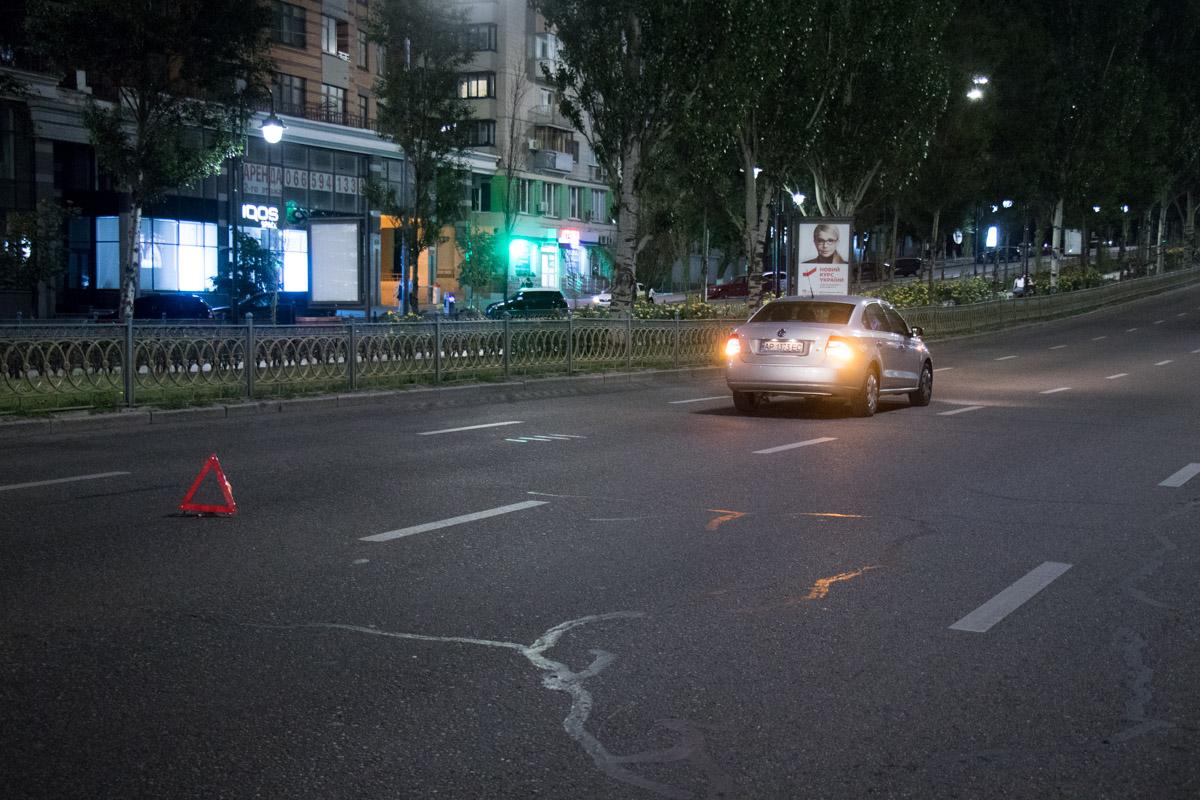 Злоключения автомобилистов на бульваре Леси Украинки не закончились