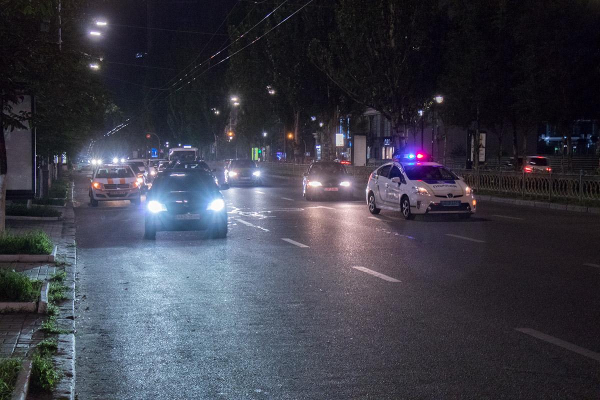 Opel Vivaro сбил пешехода, а через 40 минут на этом же месте Ford Mustang врезался в Opel Zafira