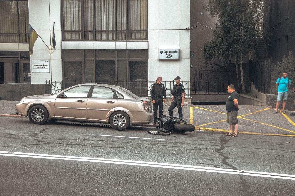 Полиция выясняет обстоятельства аварии