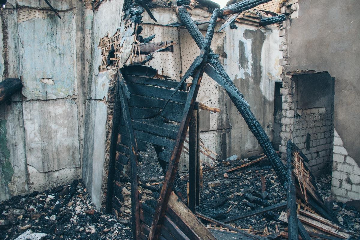 В помещениях жили бездомные