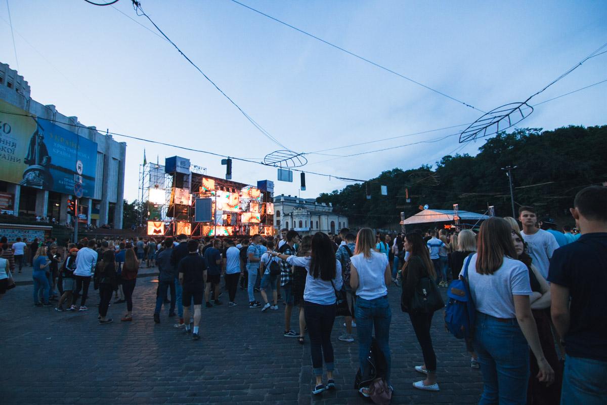 Фестиваль электронной музыки стартовал еще в 13:00 и продлился до позднего вечера
