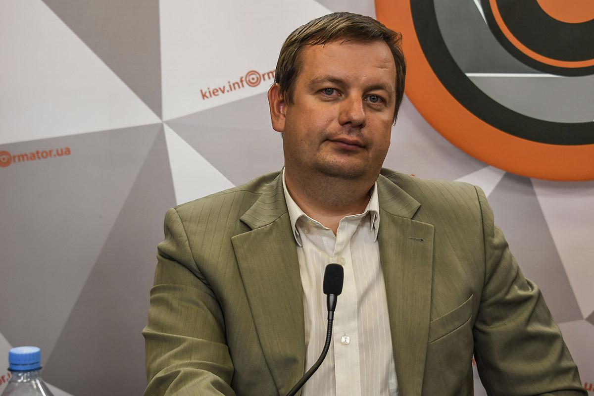 Проректор Межрегиональной академии управления персоналом Евгений Романенко