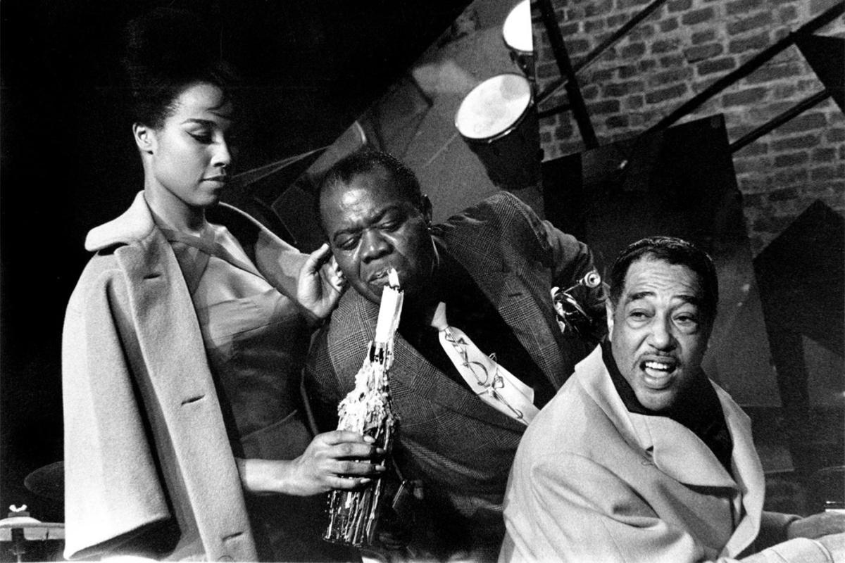 Летним вечером мы приглашаем вас окунуться в атмосферу беззаботности и легкости под волнующую музыку легенд джаза