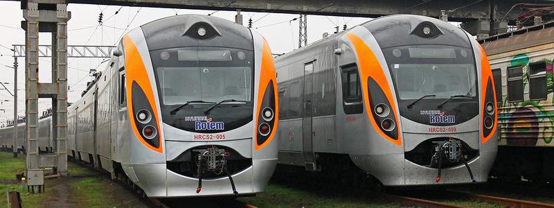 Укрзалізниця запускает дополнительные рейсы из Киева ко Дню Конституции